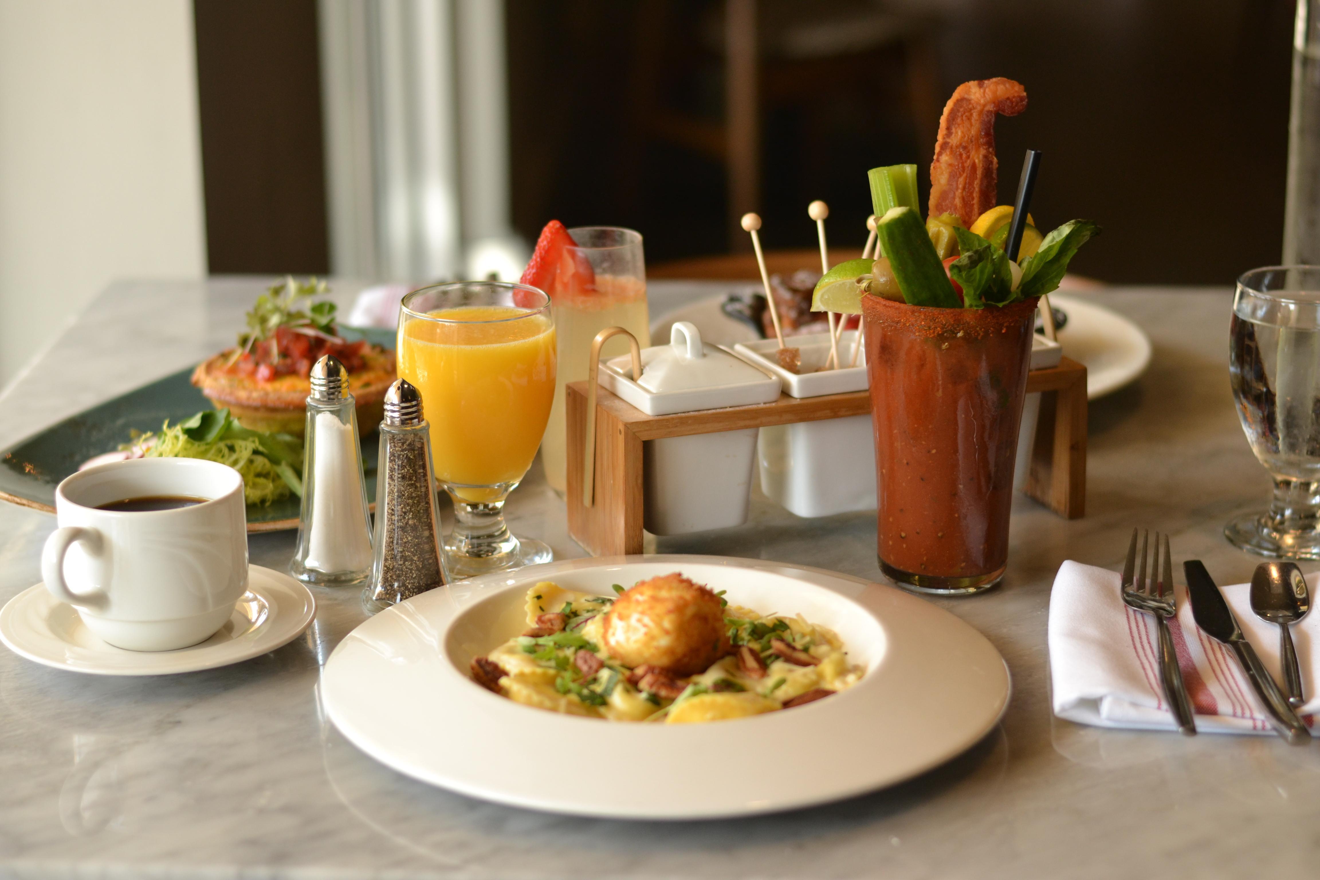 Brunch at Verge Restaurant + Lounge